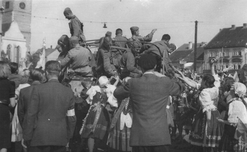 Residents of the Czech town of Sobeslav welcome Soviet troops (1).jpg